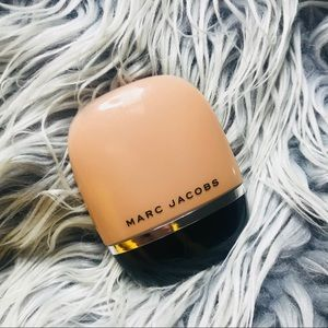 Marc Jacobs Shameless Foundation in 'Y420'